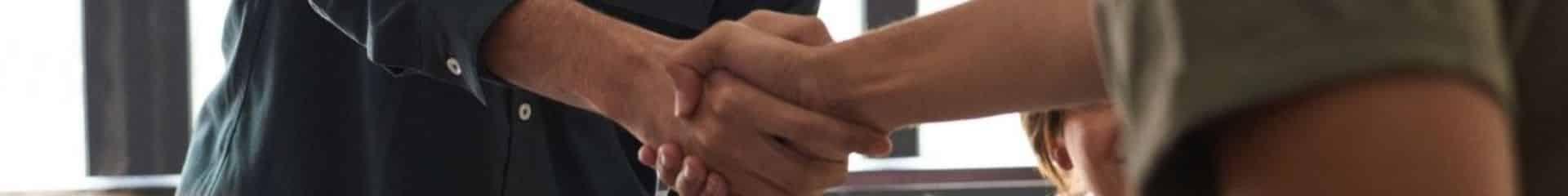 Nos offres - serrer les mains
